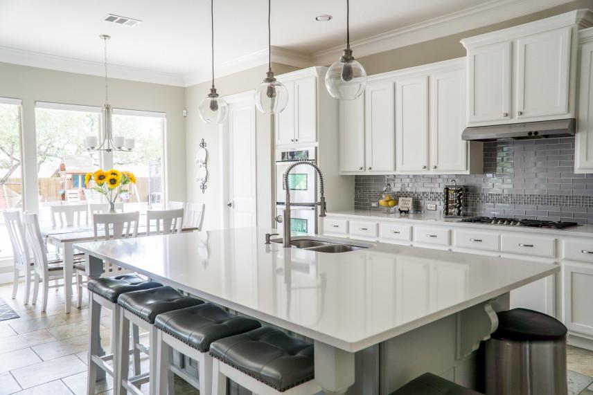 Jak oddzielić otwartą kuchnię od salonu?