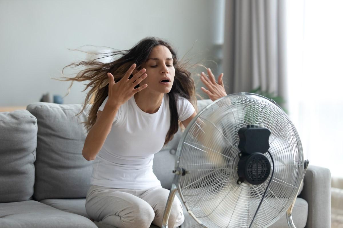 Jak ochłodzić mieszkanie w upały bez klimatyzacji?