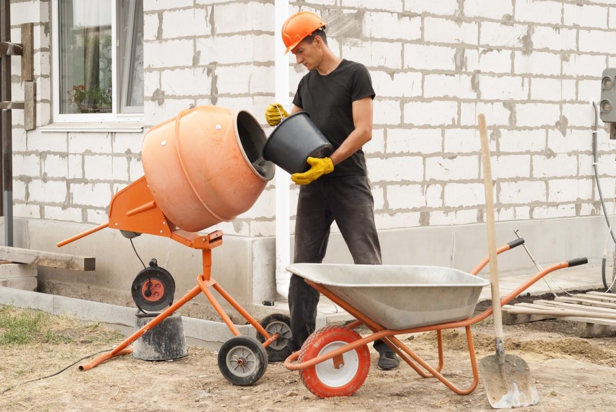 Jak zrobić beton w betoniarce?