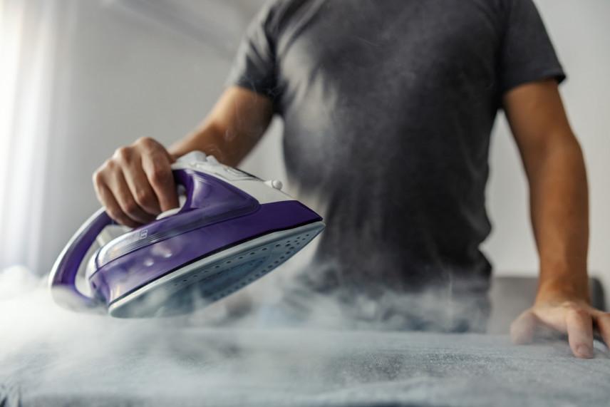 Jak wyczyścić przypalone żelazko?