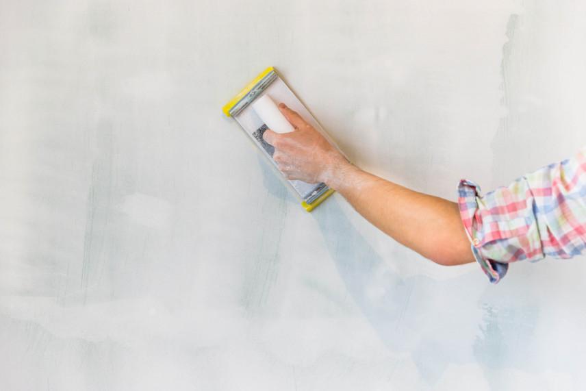 Jak wygładzić ściany, bez gładzi - po zrywaniu tapet?