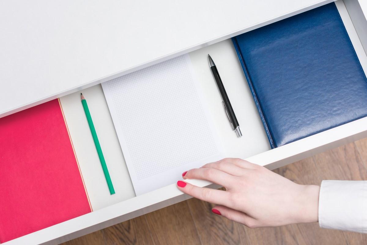 Jak wyjąć szufladę samozamykającą, Blum, Modern box  z domykiem?