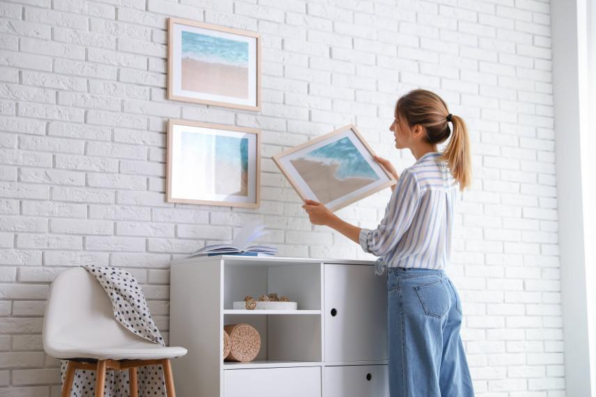 Jak wieszać obrazy na ścianie?
