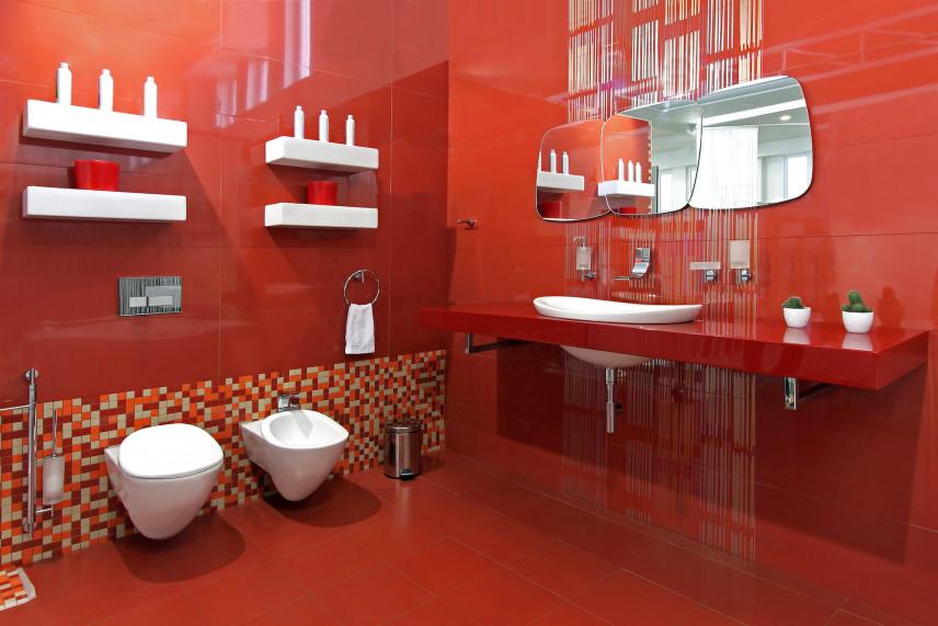 Czerwona nowoczesna łazienka