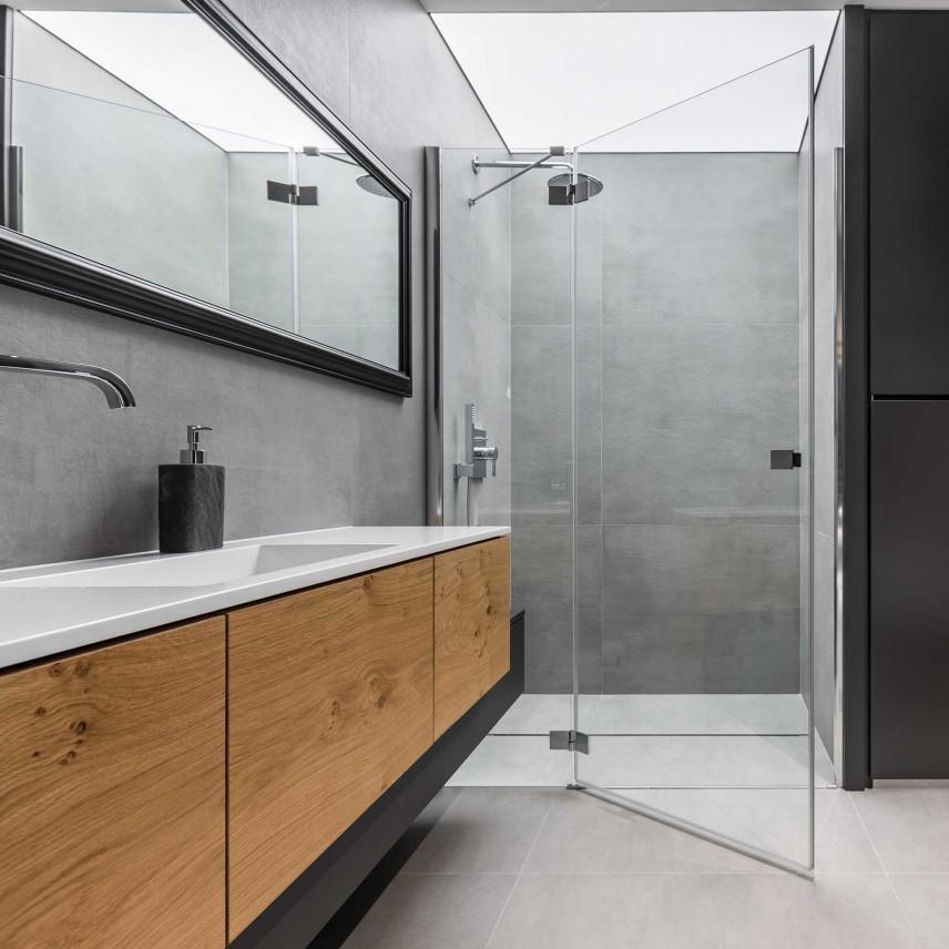 Szara łazienka z kabiną prysznicową