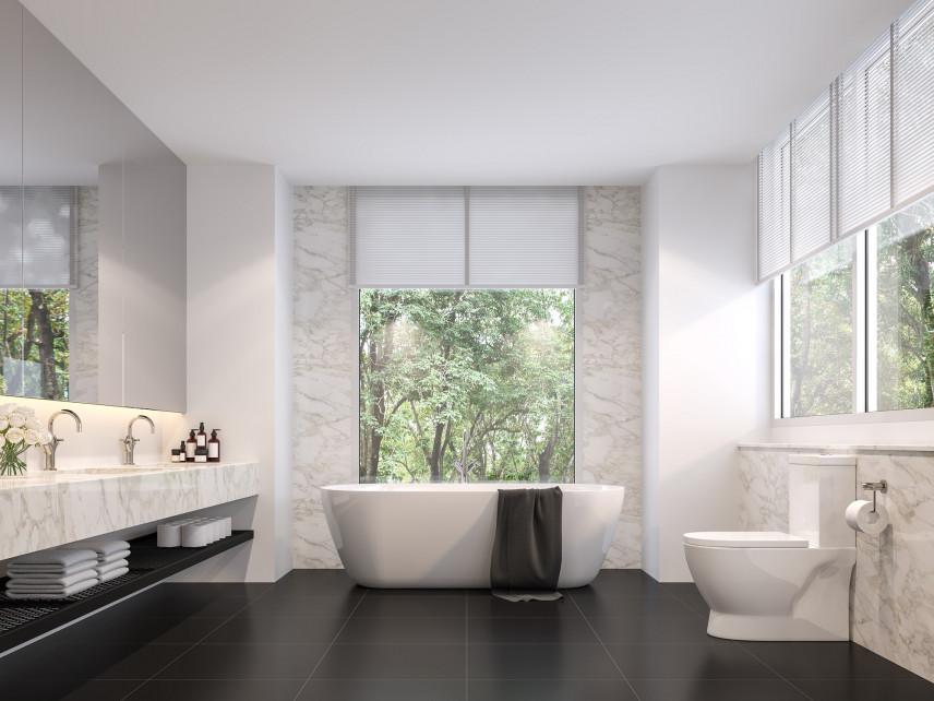 Stylowa łazienka z marmurowa ścianą