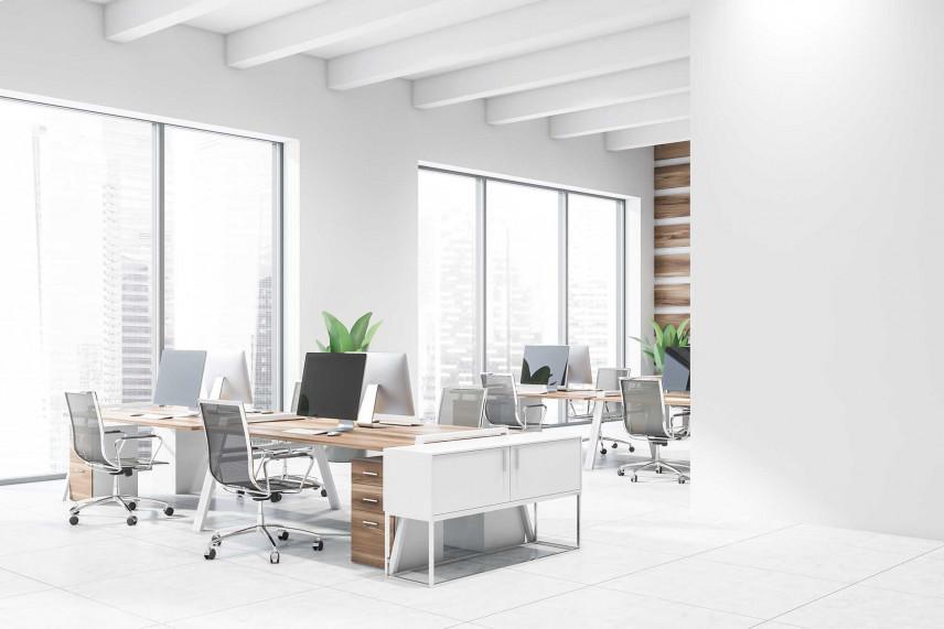 Nowoczesne białe biuro w stylu skandynawskim.