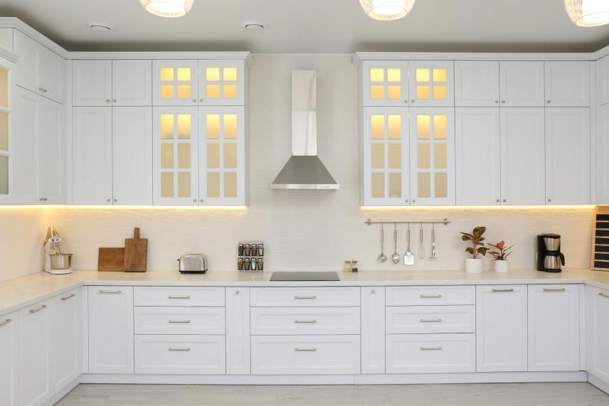 Narożna biała  kuchnia