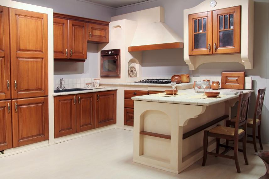 Projekt kuchni z drewnianymi frontami
