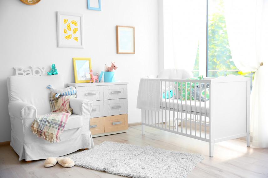 Aranżacja ściany w pokoju dla noworodka