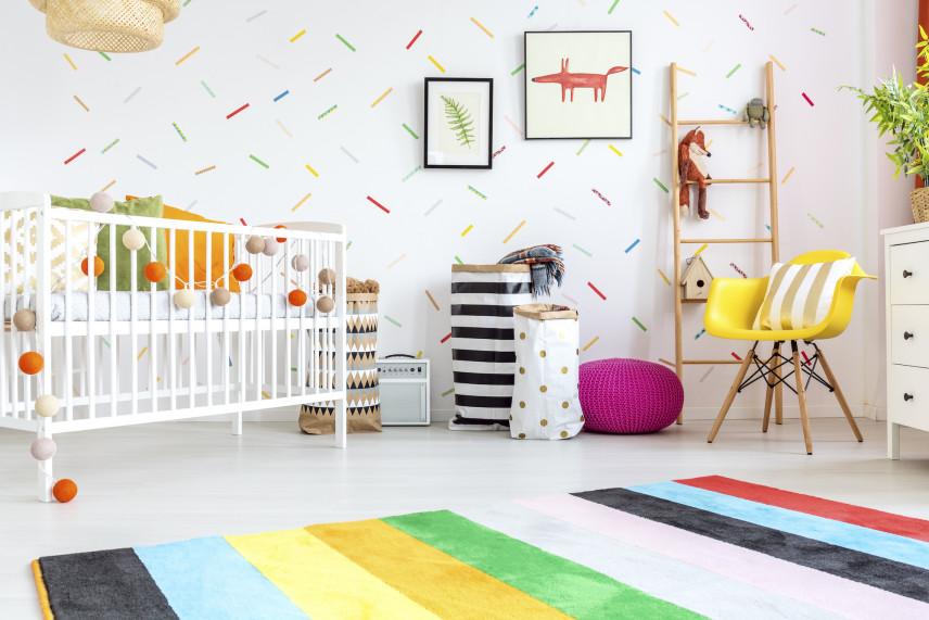 Aranżacja kolorowego pokoju dla noworodka