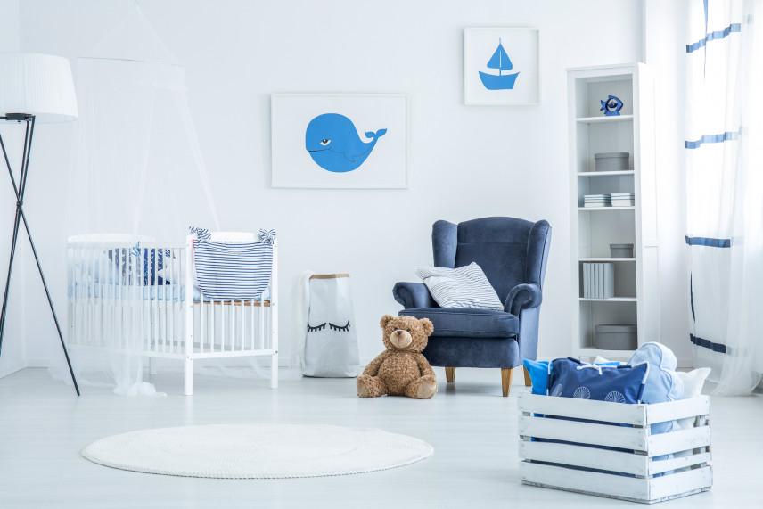Fotel uszak w pokoju dla noworodka
