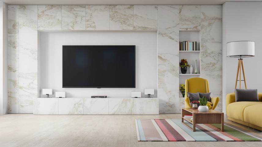 Marmurowa ściana z telewizorem