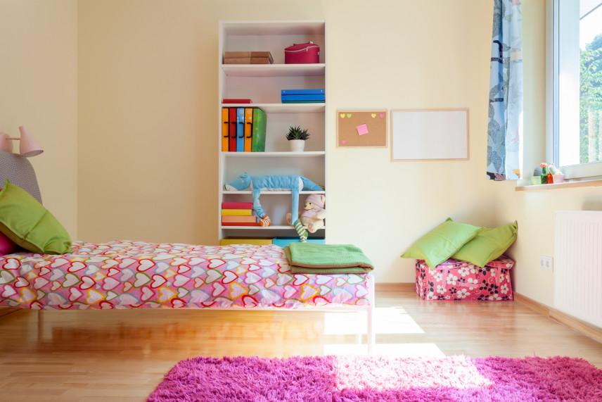Pokój z żółtymi ścianami
