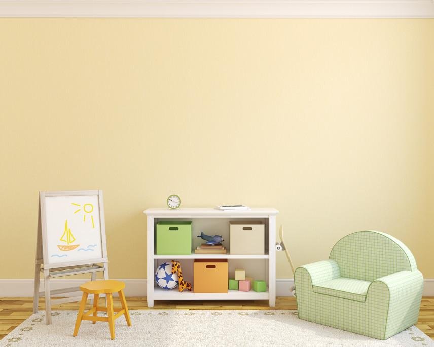 Żółty pokój z dywanem