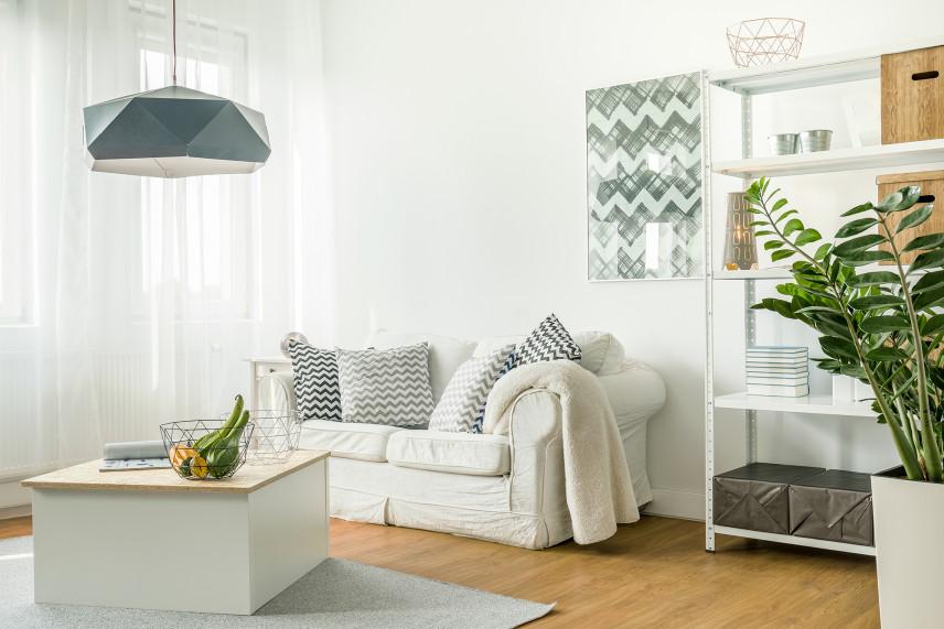 Salon w bloku w stylu skandynawskim