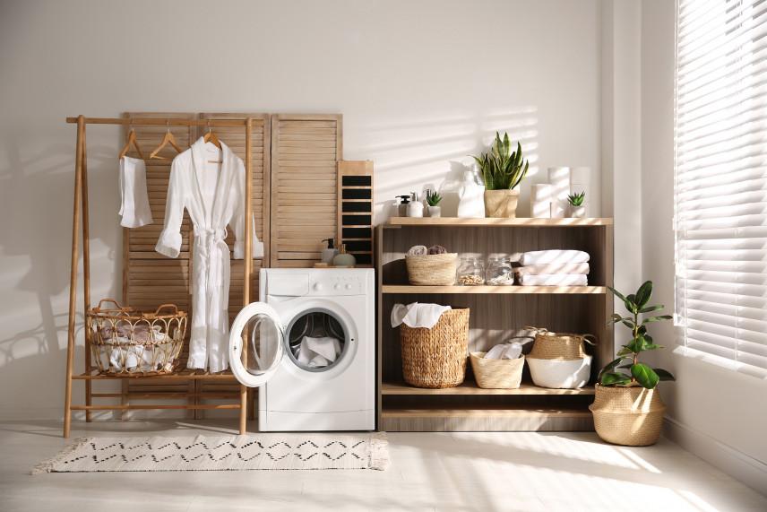 Nowoczesne pomieszczenie z pralką
