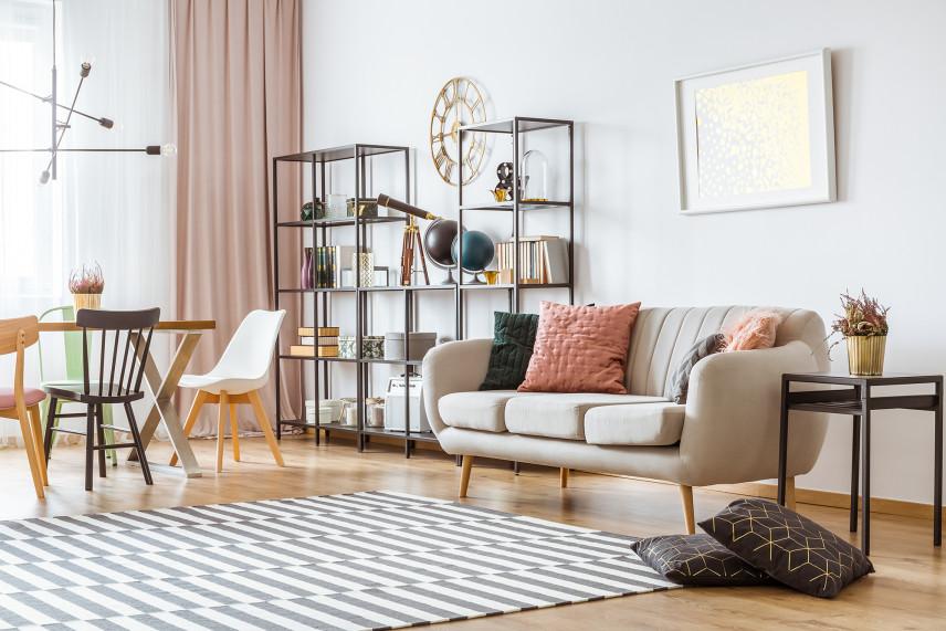 Praktyczny salon w stylu skandynawskim