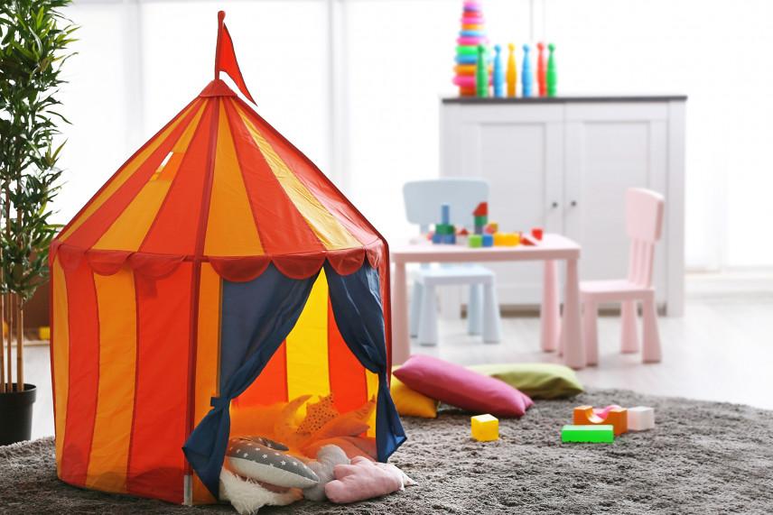Namiot w pokoju dziecka