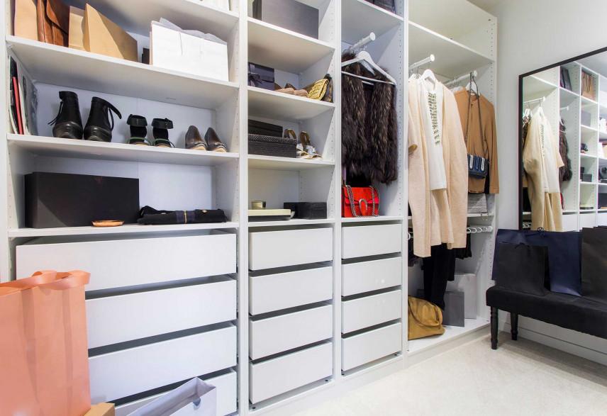 Garderoba z szafa wnękowa białą