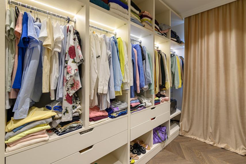Garderoba z kotarą