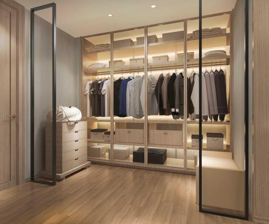 Garderoba ze szklanymi drzwiami