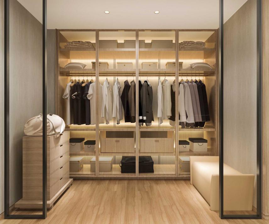 Garderoba w jasnych kolorach