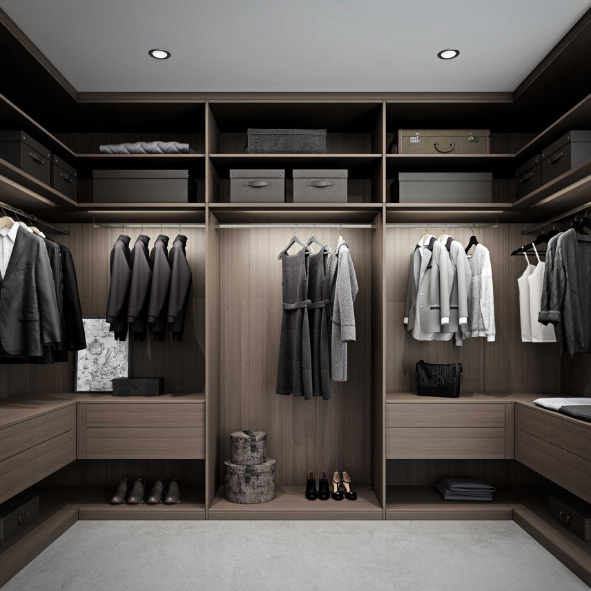 Projekt garderoby z drewnianymi frontami