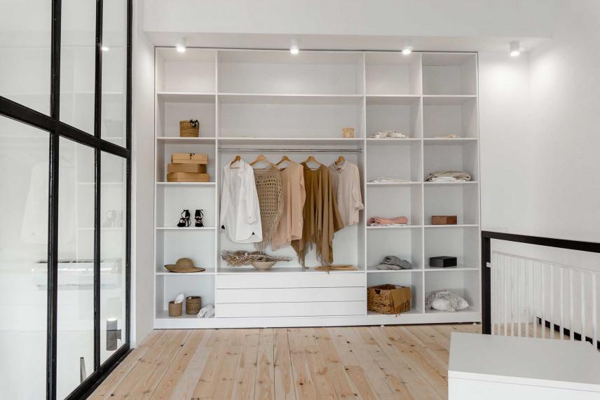 Biała nowoczesna garderoba