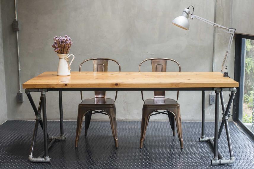 Dębowy stół