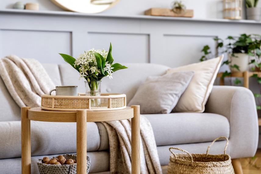Biała sofa