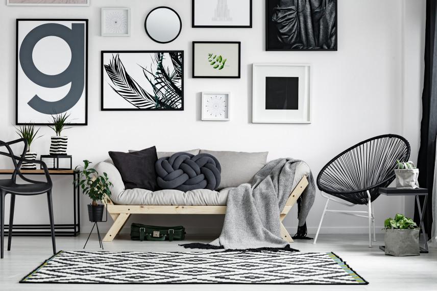 Nowoczesny salon w biało-czarnych kolorach