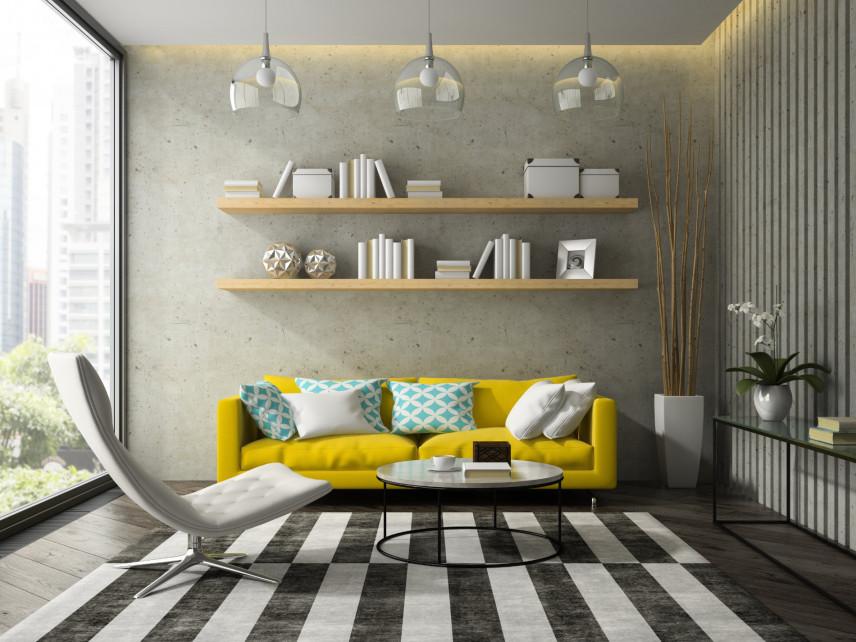 Klimatyczny salon z żółtą sofą