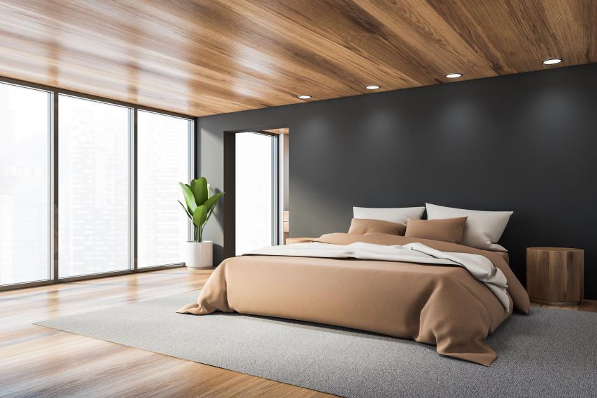 Projekt sypialni z drewnianym sufitem