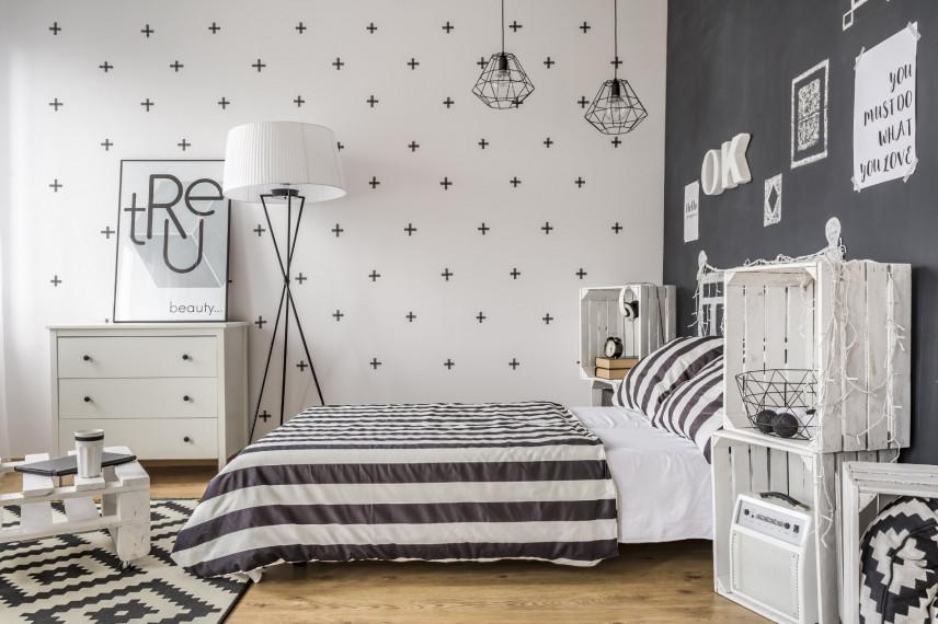 Biało-czarna sypialnia