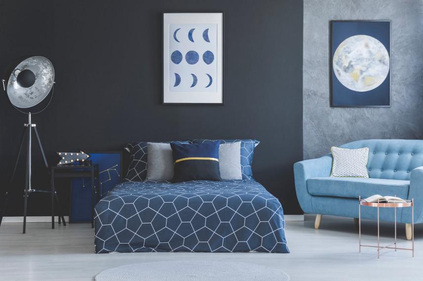 Niebiesko-czarna sypialnia