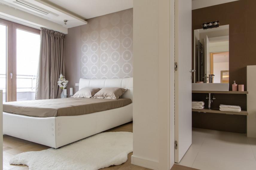 Toskańska sypialnia z łazienką