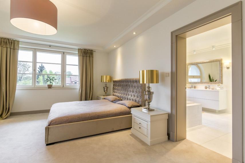 Rodzaj łóżka kontynentalnego w sypialni