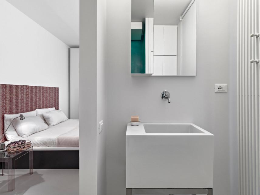 Projekt sypialni z małą łazienka