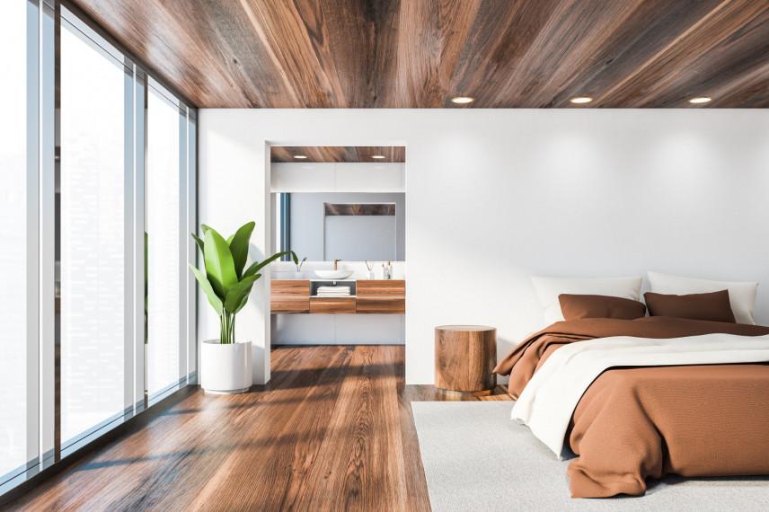 Drewniany sufit i drewniana podłoga