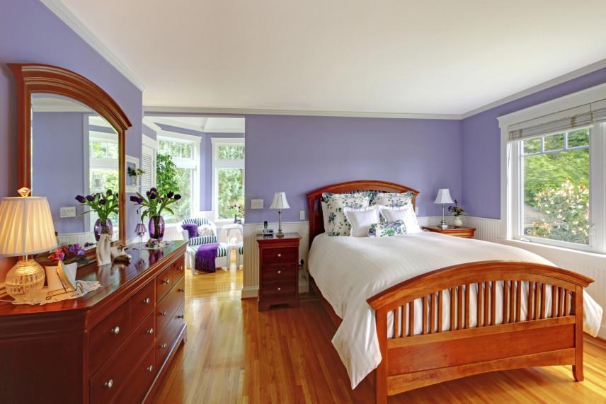 Ciemno-brązowe łóżko kontynentalne