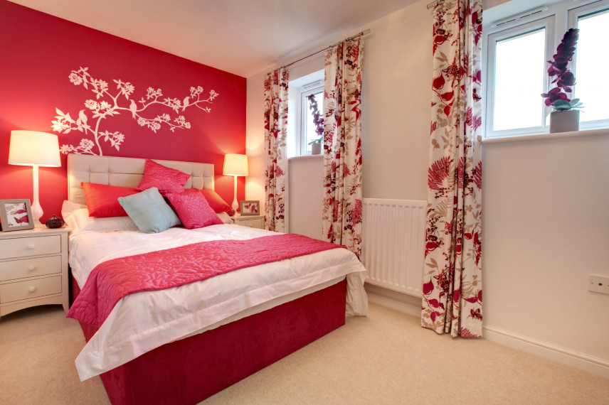 Biało-czerwona sypialnia