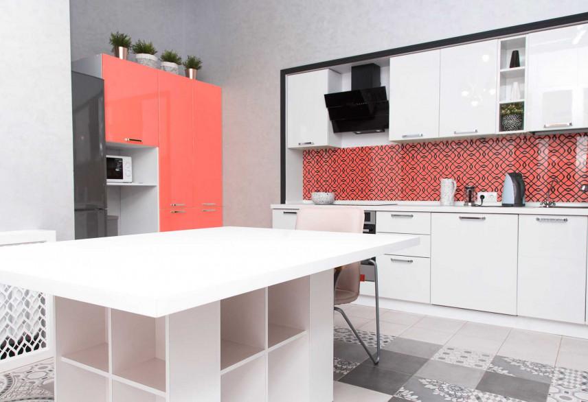 Aneks kuchenny biało-różowy