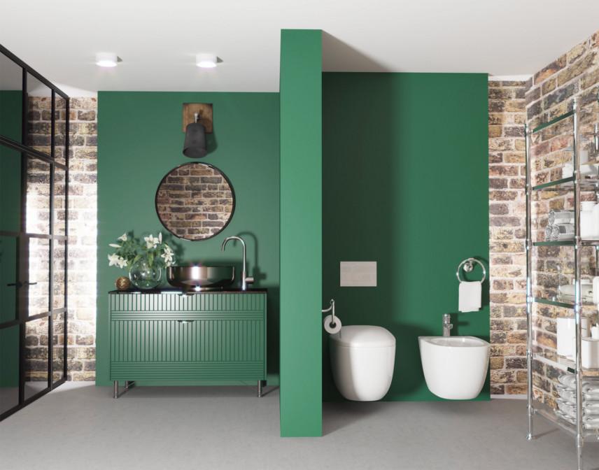 Projekt łazienki z cegłą na ścianie