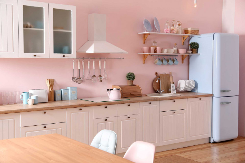 Różowa kuchnia w stylu rustykalnym