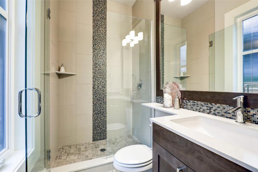 Mała łazienka z mozaiką