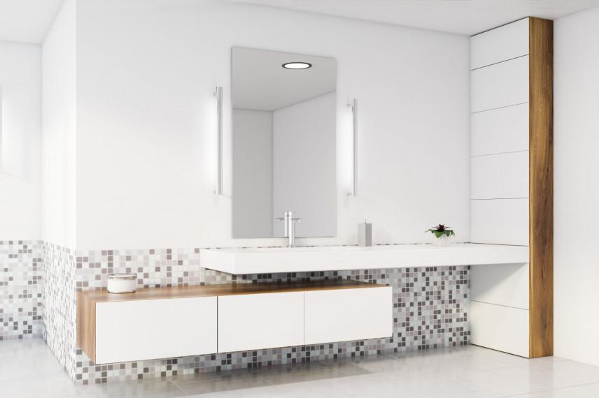 Minimalistyczna  biała łazienka