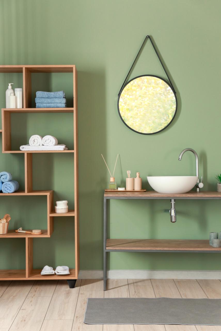 Mała łazienka w kolorze jasnooliwkowym