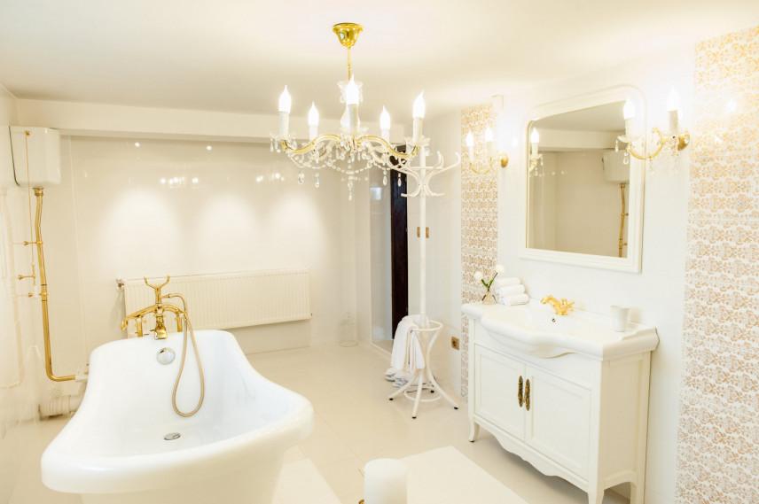 Zabudowana łazienka