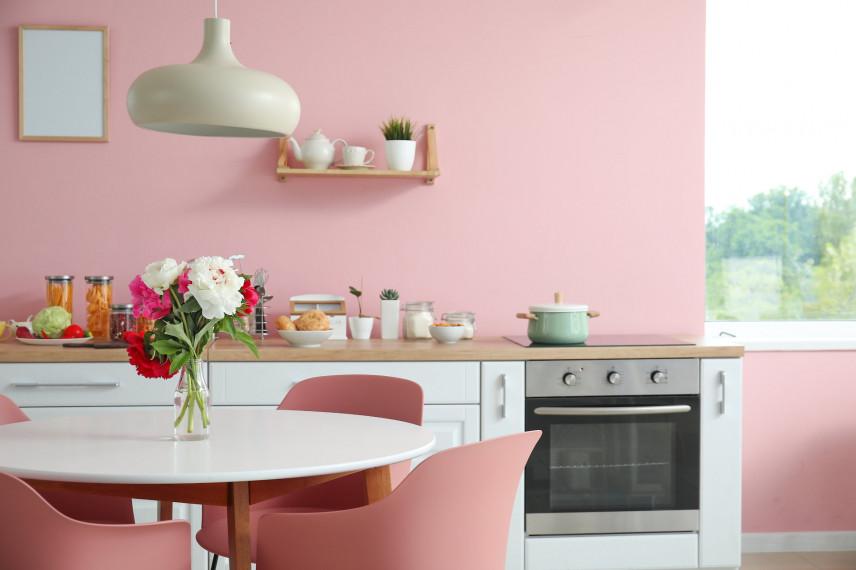 Przytulna różowa kuchnia